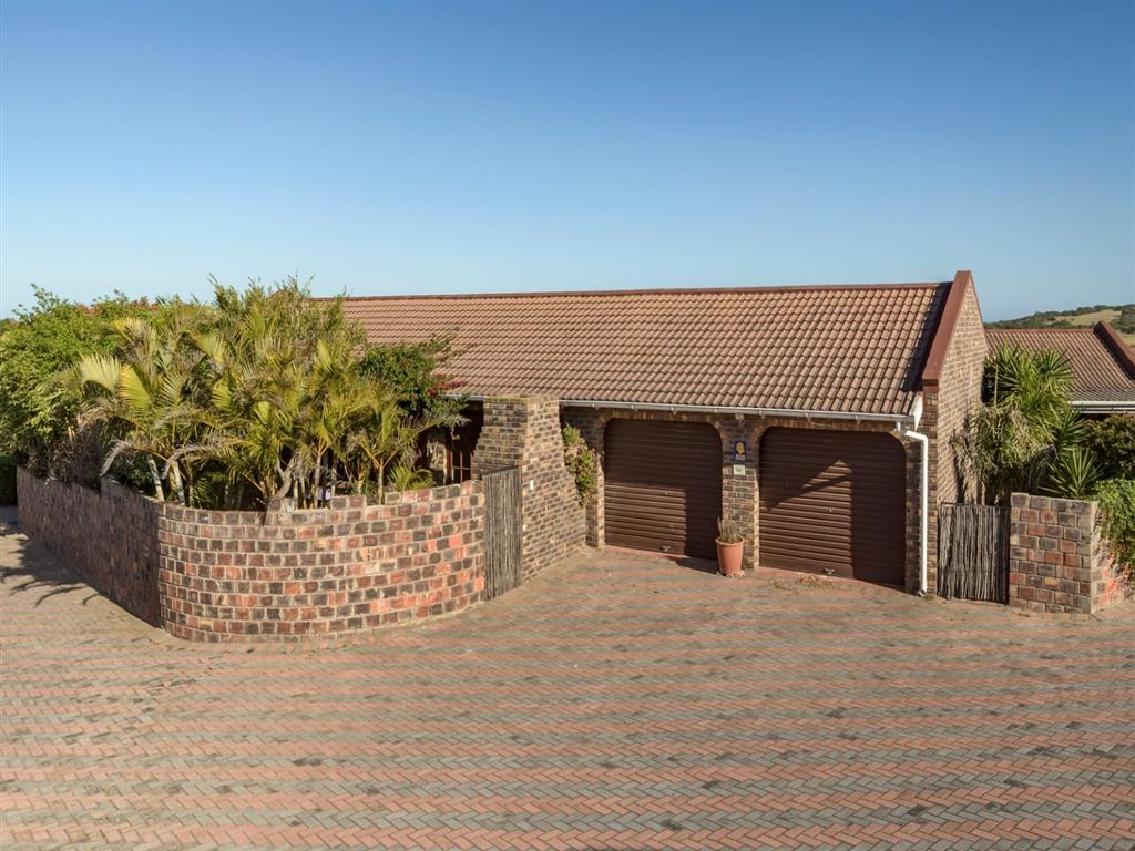 2 Bedroom  Townhouse for Sale in Port Elizabeth - Eastern Cape