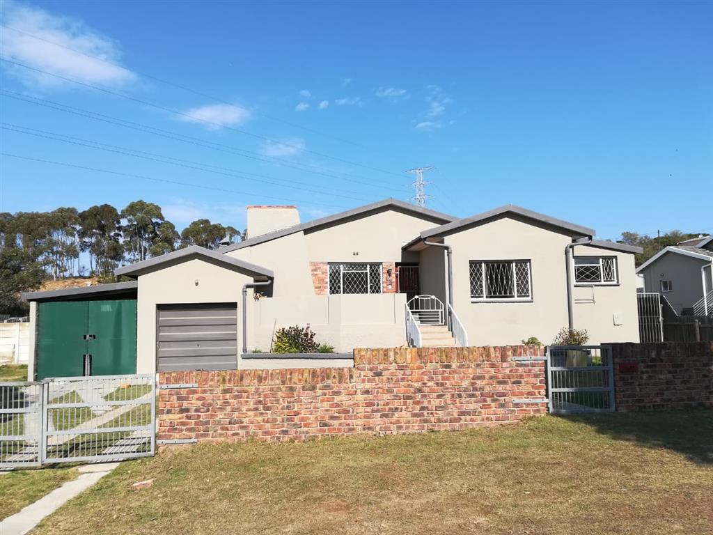4 Bedroom  House for Sale in Port Elizabeth - Eastern Cape