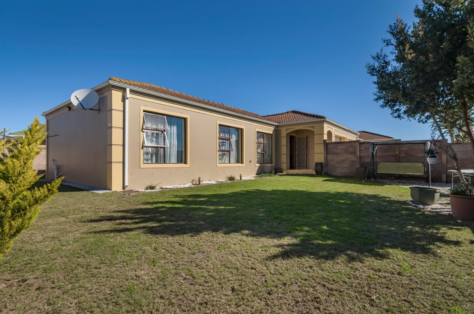 3 Bedroom  Townhouse for Sale in Port Elizabeth - Eastern Cape