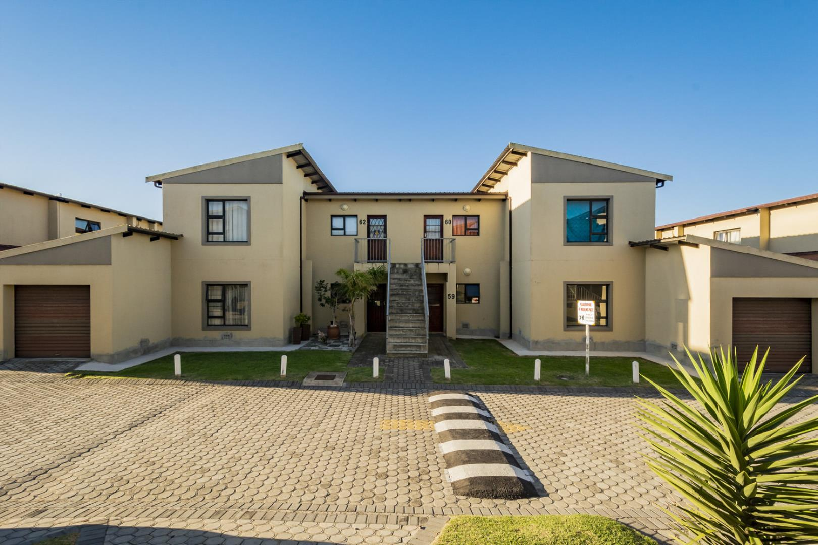 3 Bedroom  Apartment for Sale in Port Elizabeth - Eastern Cape