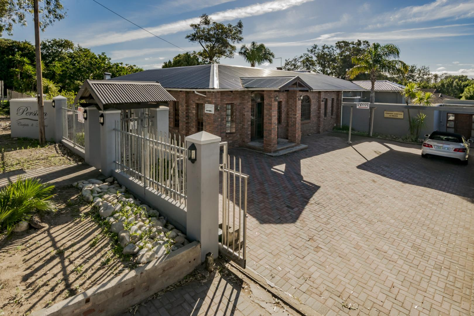 4 Bedroom House for Sale in Walmer, Port Elizabeth - Eastern Cape
