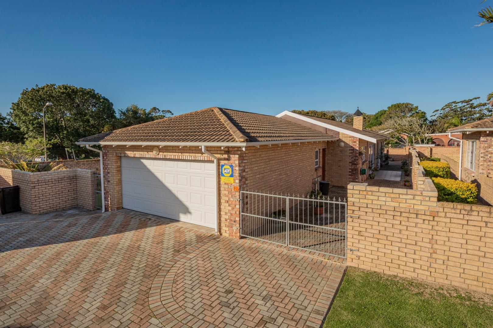 3 Bedroom Townhouse for Sale in Beverley Grove, Port Elizabeth - Eastern Cape