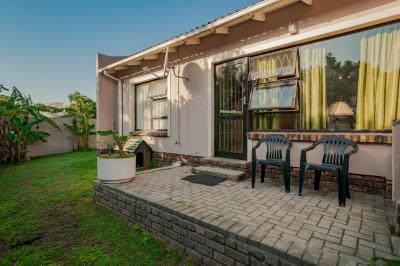 2 Bedroom Townhouse for Sale in Lorraine, Port Elizabeth - Eastern Cape