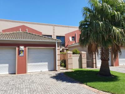 1 Bedroom Duplex for Sale in Morningside, Port Elizabeth - Eastern Cape