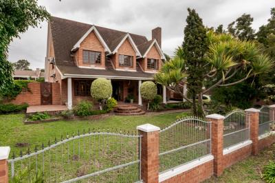 4 Bedroom House for Sale in Walmer Heights, Port Elizabeth - Eastern Cape